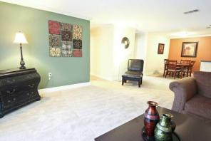 1br -711ft2 - 1/2 off January Rent!!